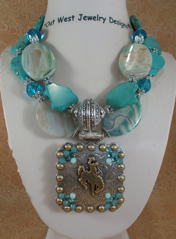 Cowgirl Necklace Set – Chunky Aqua Howlite Turquoise and Agate – Wyoming Bucking Horse Concho Pendant by Outwestjewelry