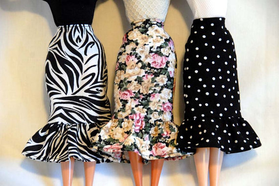 Barbie Clothes – A Slim or Pencil Skirt w / Ruffle in a Choice of Prints for Barbie or Similar Doll by tunafairy