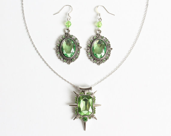 Zelena Wicked Witch Necklace and Earrings Set (OUAT) by CissyPixie
