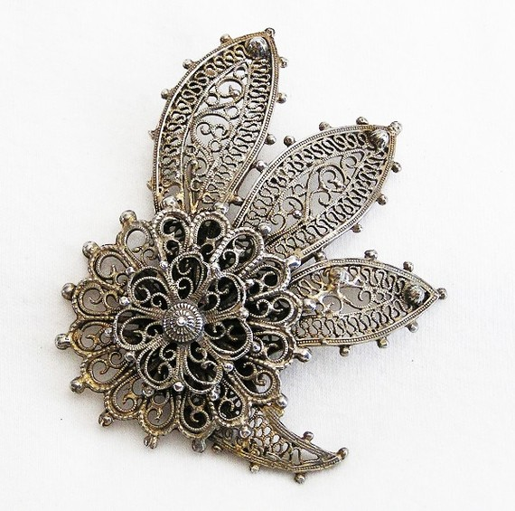 Indo Craft Large Silver Filigree Flower Brooch by AgedandOpulentJewels