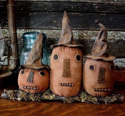 Primitive Folk Art Halloween Witch Pumpkin Shelf Sitter Digital PDF Pattern by rockriverstitches