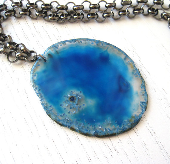 Ocean Blue Crystal Agate Pendant Slice with Gunmetal Chain – Statement Necklace by coeurdepierres