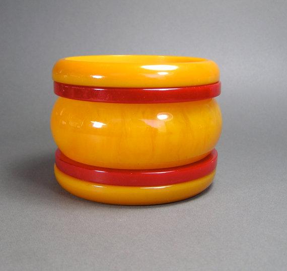 Bakelite Bangle Stack, Tangerine and Cherry, Red, Orange, Marbled, Vintage Bakelite, Catalin, Tested by WickedMagpie
