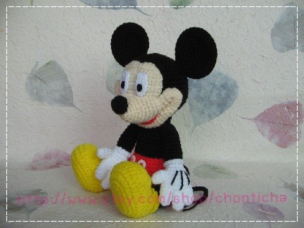 Mickey mouse 10 inches – PDF amigurumi crochet pattern by Chonticha