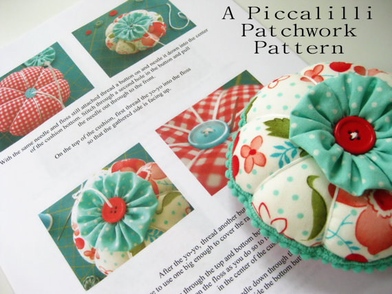 Pincushion Pattern Tutorial - PDF INSTANT DOWNLOAD - YoYo Flower Design by PiccalilliPatchwork