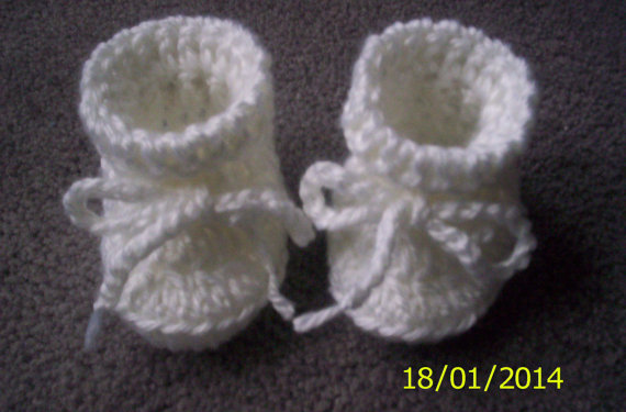 Crochet Baby Bootie Pattern Easy, no sew 0 - 3 months by crochet4life