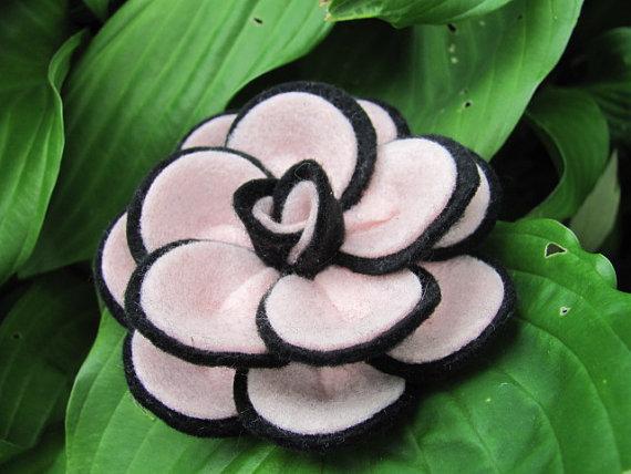 3f33543891c07 Felt Rose Pattern PENNY ROSE No Sew Felt Flower Tutorial Brooch ...