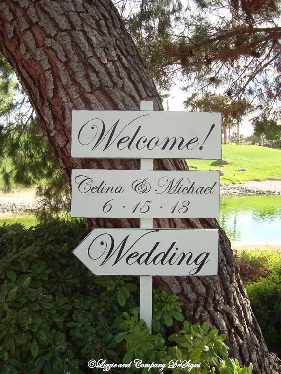 DiReCTioNaL WeDDiNg SiGnS - Classic Style Lettering - CuSToM WeLCoMe SiGn - Wedding Arrow Signs - Ivory or White Sign - 4ft Stake by lizzieandcompany