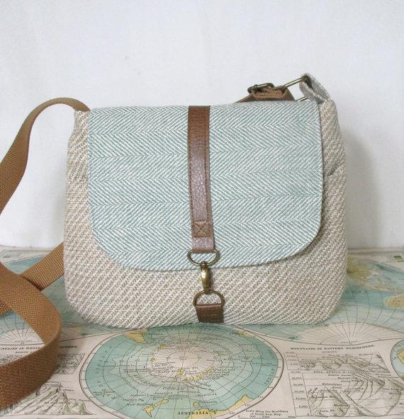 Utah – Crossbody messenger bag // Adjustable strap // Vegan purse // Cross body // Travel purse // Mint herringbone // Ready to ship by atlaspast