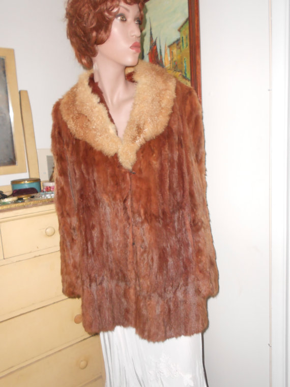 1940's 2-Tone Fur Jacket - Size M-L by jobella