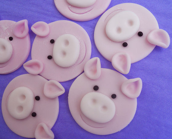 12 EDIBLE PIG Cupcake Toppers by SWEETandEDIBLE